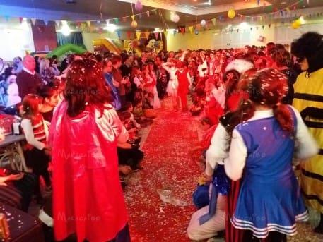 Animatrici per bambini per feste compleanni matrimoni eventi Marche