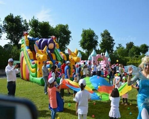 Eventi e feste feste per bambini famiglie privati compleanni matrimoni cerimonie Ancona, Macerata, Pesaro, Ascoli Piceno, Fermo, Perugia, Foligno