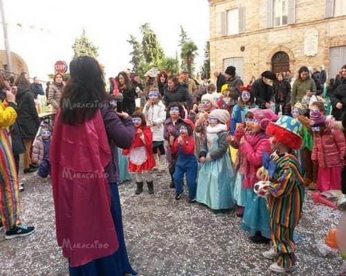 feste varie festività animazione intrattenimento carnevale halloween natale Ancona Macerata Pesaro Ascoli Piceno Fermo Perugia Foligno
